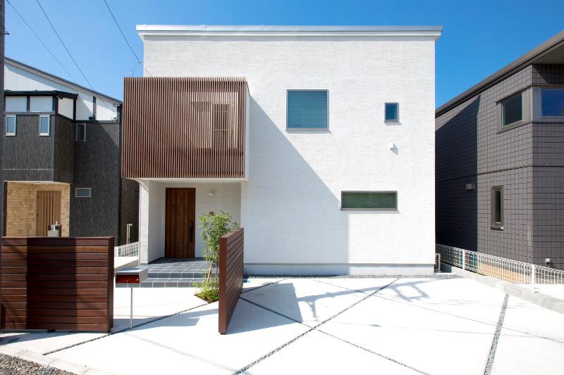 基礎部分には、山本さんが勤める会社の鉄筋が使われています。