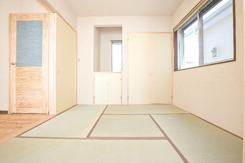 和室。収納がたっぷりです