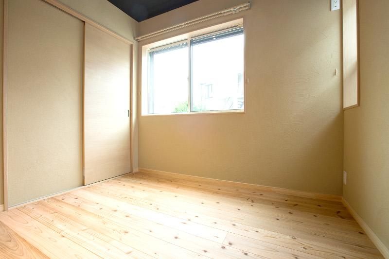 究極の寝室。「眠りの質が変わった。良く寝られる」とご好評を頂いております
