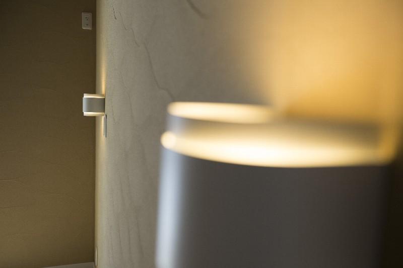 珪藻土の壁は、優しく暖かで落ち着いた雰囲気を醸し出します