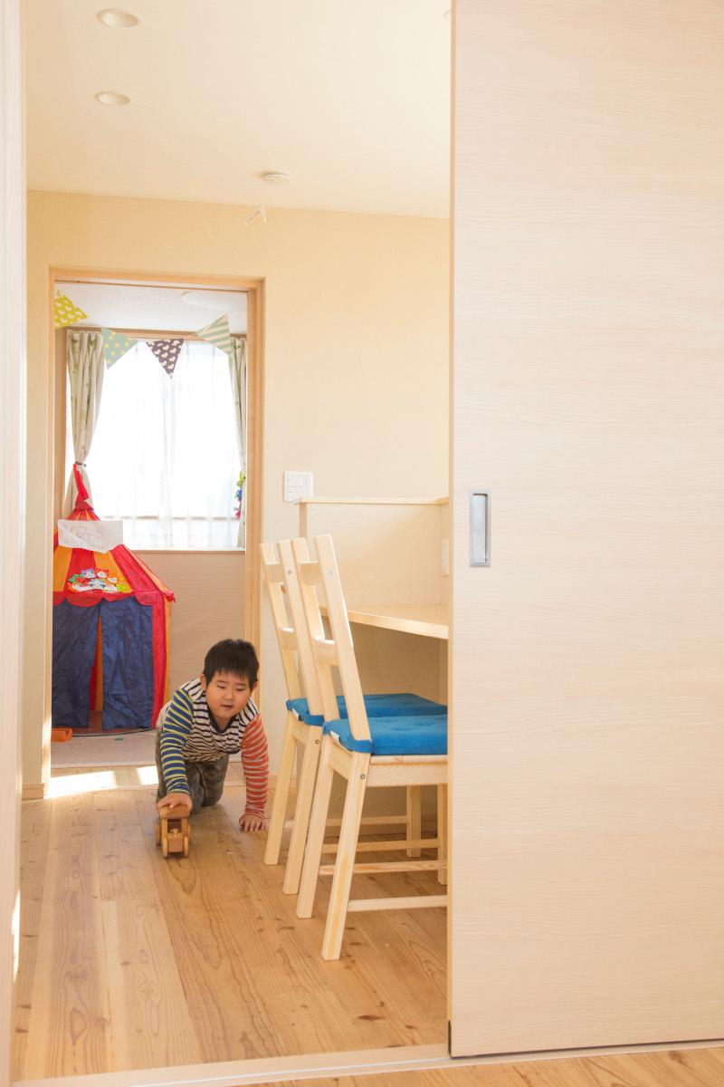 子供部屋入口が勉強スペースです