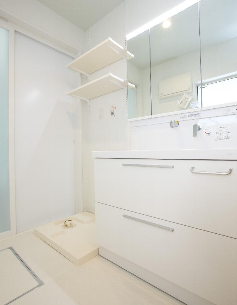 清潔感のある洗面脱衣所