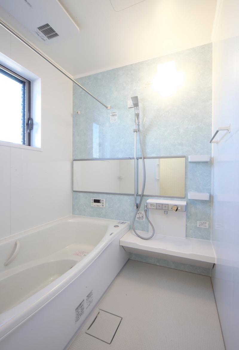 爽やかな雰囲気のバスルーム