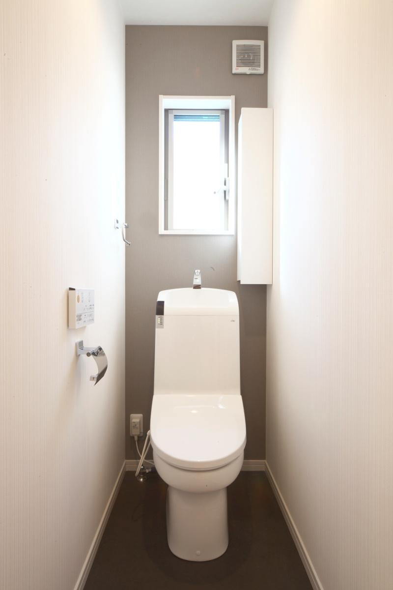 とても明るいトイレ