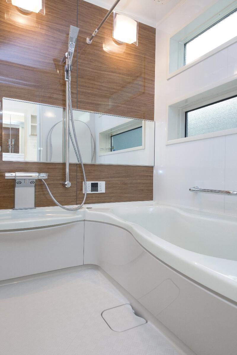 落ち着いた雰囲気のバスルーム