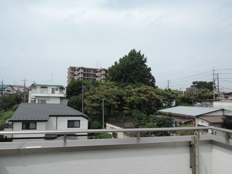 2F西側バルコニー(北東方向の眺め)
