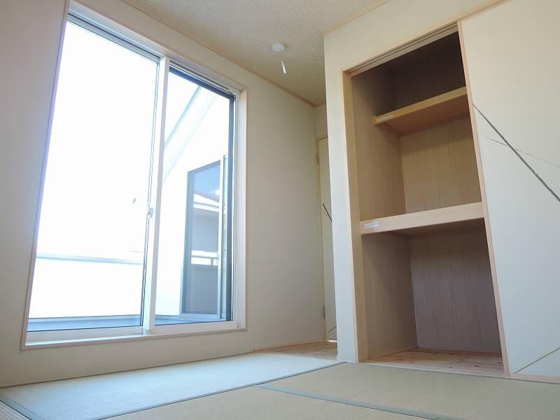 2F和室(部屋左奥から)