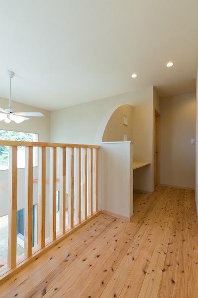 2F廊下(階段側から)