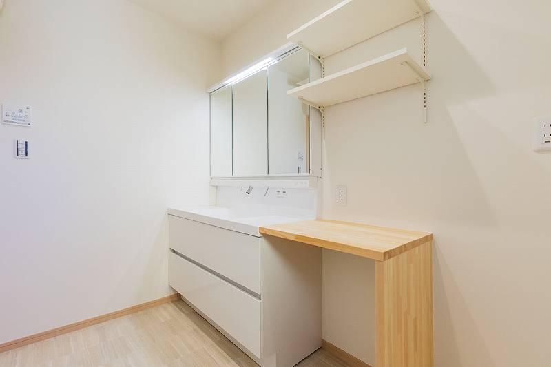 1F洗面(バスルーム側から)